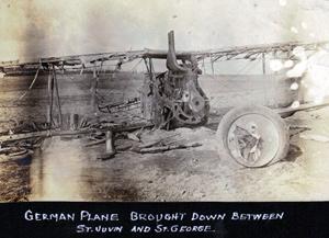 Nedskudt tysk flyvemaskine fra 1. verdenskrig