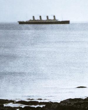 Titanic ved White Cliff, som blev sidste foto af skibet