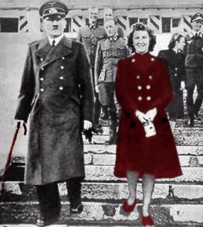 Hitler med stok & Eva Braun
