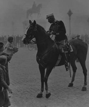 Kong Christian X til hest på Amalienborg
