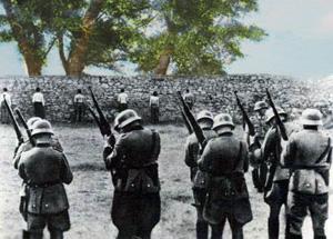 Tyske soldater henretter partisaner