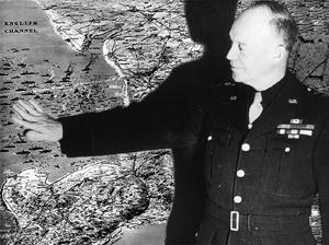 Eisenhower foran et kort over D-dag