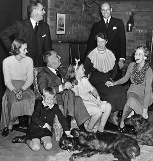 Eleanor og Franklin Roosevelt med familien