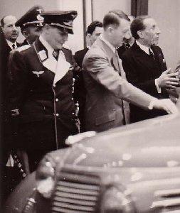 Göring og Hitler på biludstilling