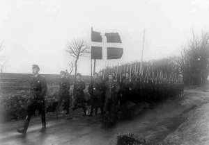 Medlemmer af Schalburg Korpset på march
