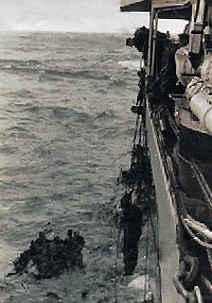 Skibbrudne sømænd reddes