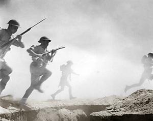 Engelske soldeter under angreb ved El Alamein