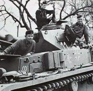 Tysk mandskab på en MK 3 under Barbarossa