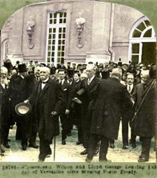 clemenceau, Lloyd George og Woodrow Wilson foran Versailles Slottet