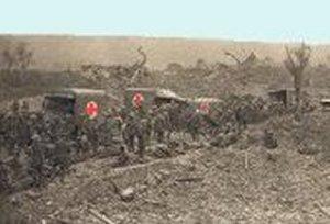 Røde kors henter sårede